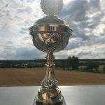 Der Pokal für die Mädels