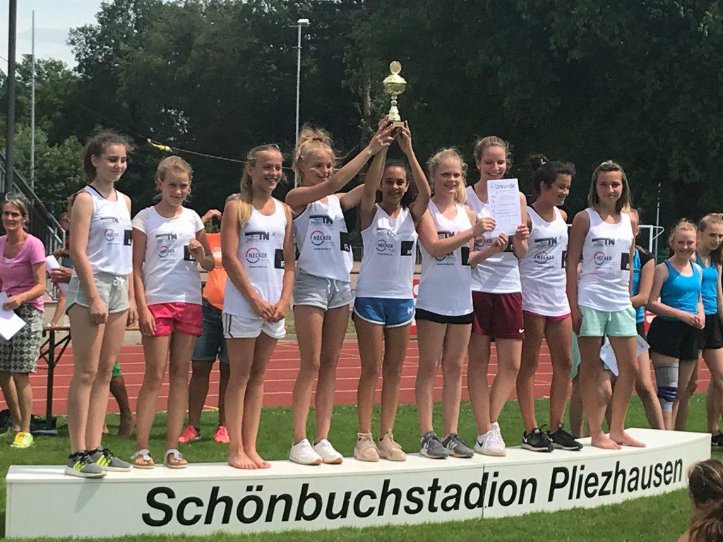 1. Platz für die Mädchenmannschaft im Wettkampf III/2